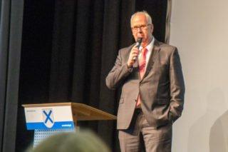 """Bürgermeister Ralf Péus mahnte die Absolventen, ihre Heimat nicht zu vergessen: """"Qualifizierte, motivierte, junge Menschen wie Sie können wir hier gut gebrauchen."""" Foto: SMMP/Ulrich Bock"""