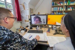 Akademiesprecherin Lina Meinhold bedankt sich für das gute Miteinander aller Lernenden und Lehrerenden in der Corona-Phase. Foto: Ulrich Bock