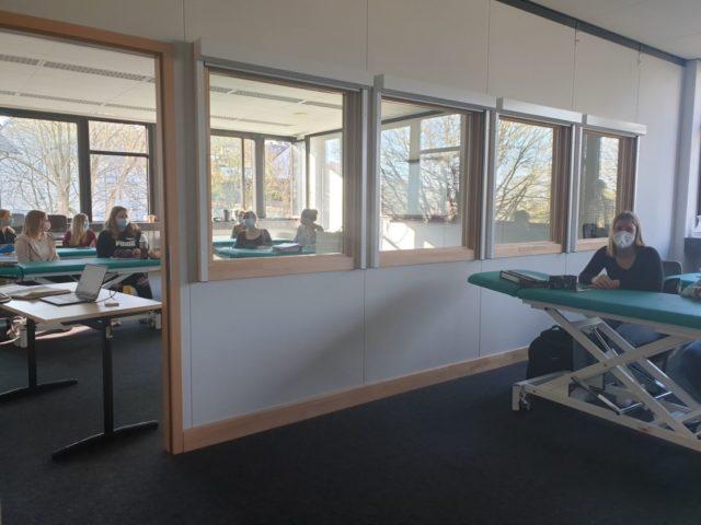 Unterricht in zwei Räumen gleichzeitig